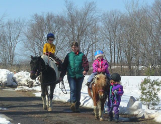 Vicky and kids - riding lesson